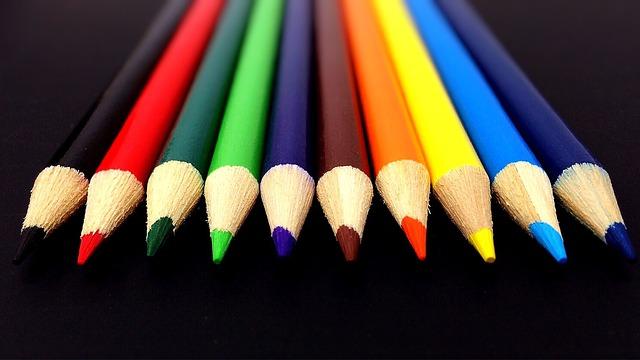 pencils-878694_640